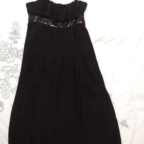 Suzy Shier Dresses & Skirts - Suzy Shier Little black dress with sequence